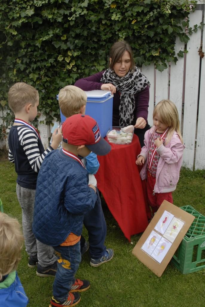 Bananis, sunde frugtis, sukkerfri is, isbod, aktiviteter til børnefødselsdag