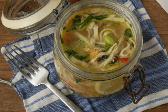 Hjemmelavede veganske pot noodles