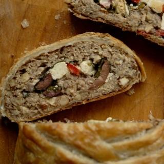 Græsk morsbrød – fyldt vegansk nøddesteg