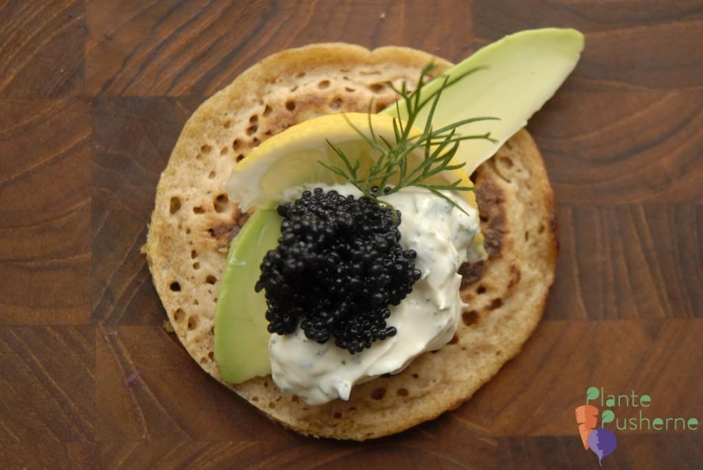 vegansk blinis med kaviar