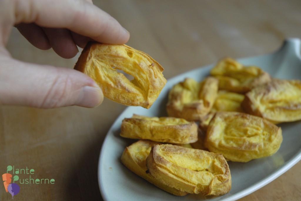 Sprøde puffede kikærte-tofu-fritter