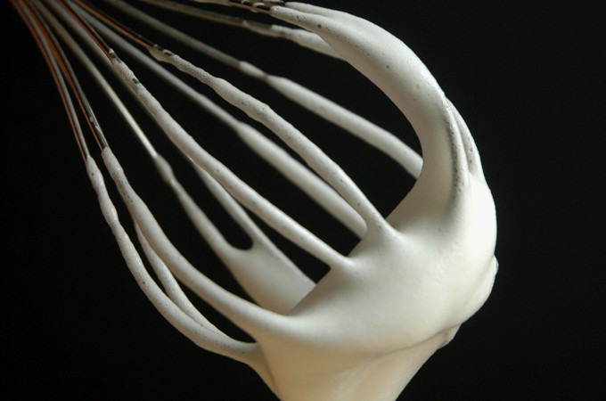 Pisket hvid æggeerstatning det ligner æggehvider på piskeris
