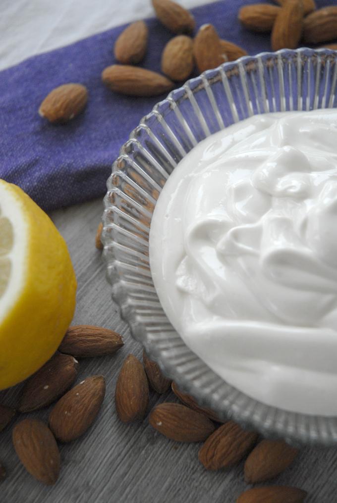 vegan sour cream almonds