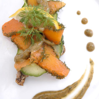 Røget læx – vegansk røget laks af salt- og tangbagte gulerødder i omega-3 marinade