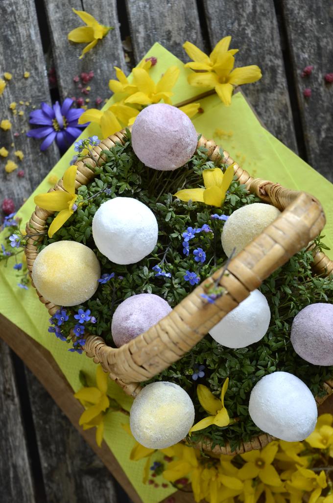 aquafaba easter eggs