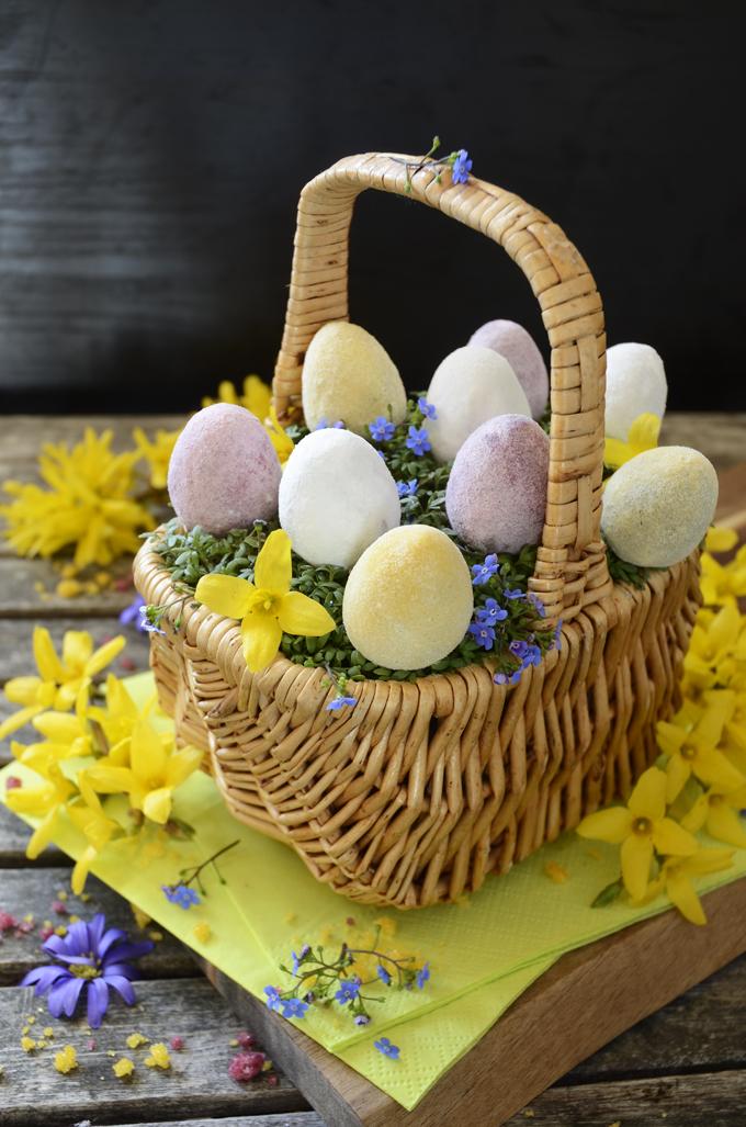 vegan easter eggs aquafaba