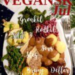 Overdådig tallerken fyldt med klassisk dansk julemad som dog er vegansk. Der er tekst som beskriver alle elementer